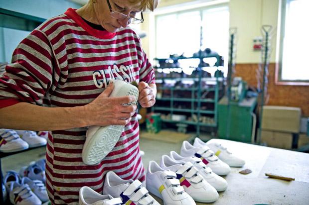 Így készül a Tisza cipő - sneakerbox.hu blog   shop 23483a9012