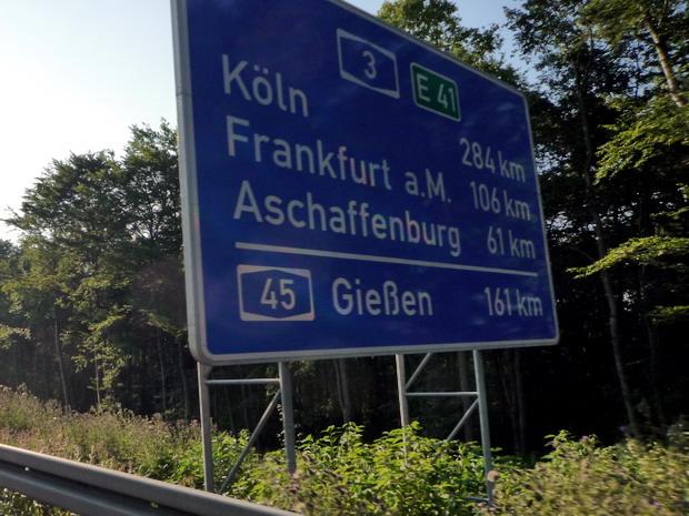 Köln inkább messze van mint közel, menjünk inkább Kecsóra (by Fari)