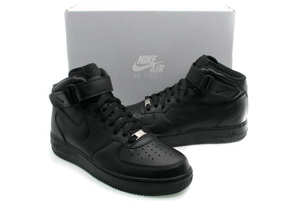 Nike AF1 Mid (black/black) - ez itthon is kapható lesz 2010 őszén