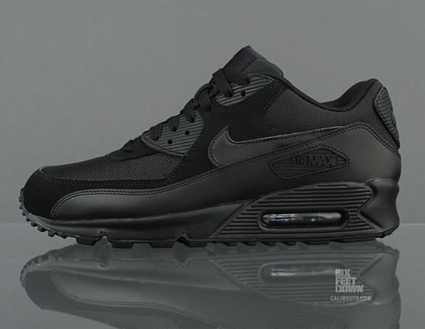 Black on Black Nike Air Max 90 Essential sneakerbox.hu blog