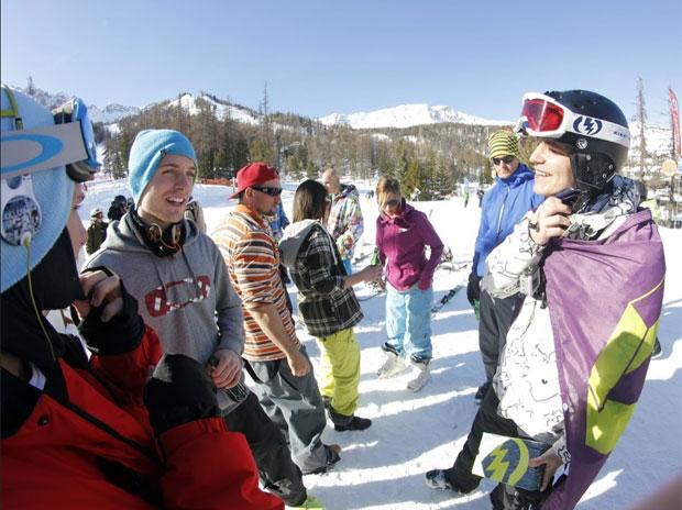 A Crazy Race snowboardos befutóját ünnepeljük a célbaérés után :)