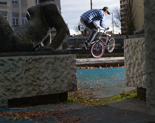 Ungerhofer Dani BMX cipőteszt: footjam tailwhip (Fotó: Hajnal Balázs)