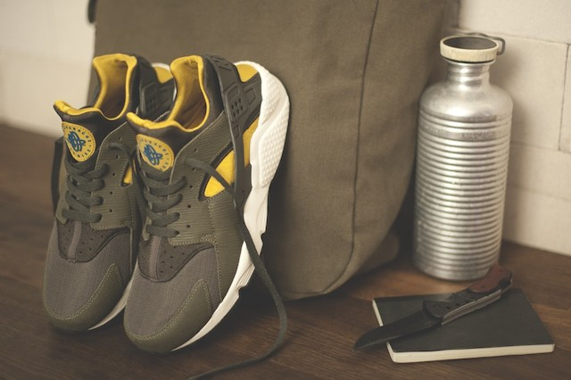 Size? x Nike - Army Nike Huarache
