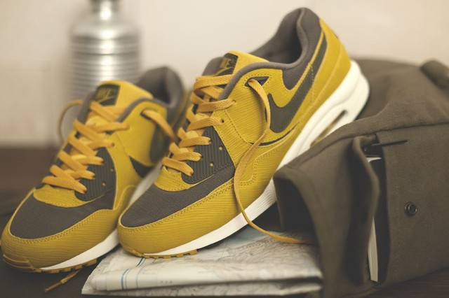 Size? x Nike - Army Nike Air Max Light