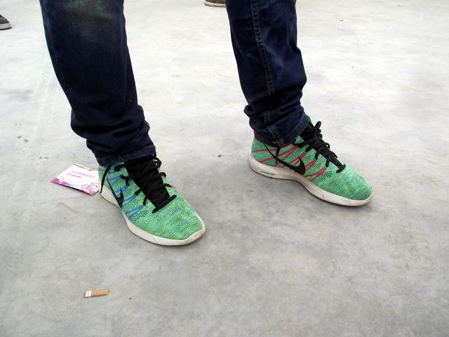 Sneaker Street Stlye OSG 15:  Jason: Nike Lunar Flyknit Chukka (Blue/Glow Volt/Pink)