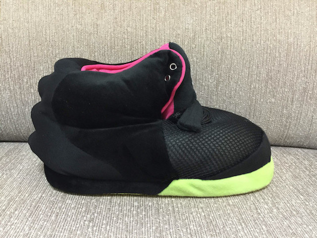 nike_air_yeezy_2_solarred_slippers