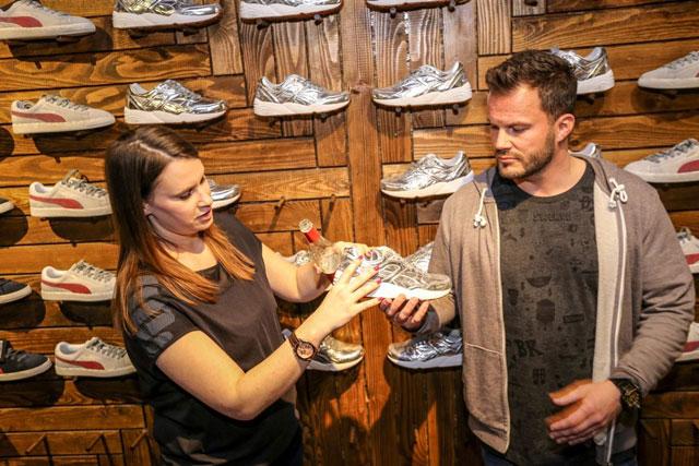 Orsi és Benski bemutatják a cipőket