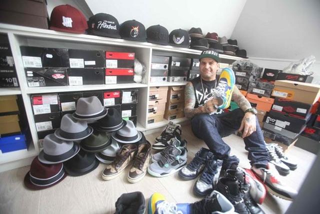 Tóth Tibinek szenvedélye a sneakerek gyűjtése.