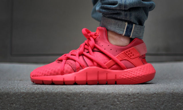 Nike Huarache NM (Natural Motion) - Red (October :)