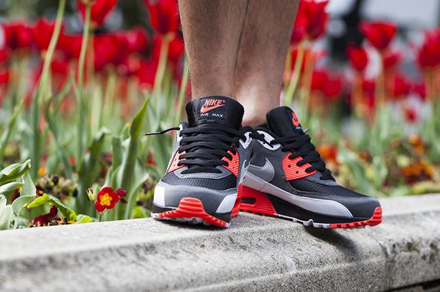 Nike Air Max 90 OG (Black/Neutral Grey/Dark Grey/White/Bright Crimson)