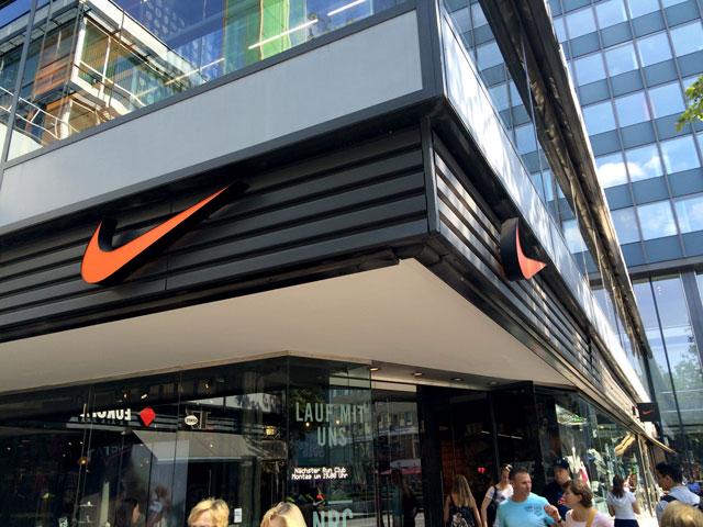 Berlin sneaker store check: Nike
