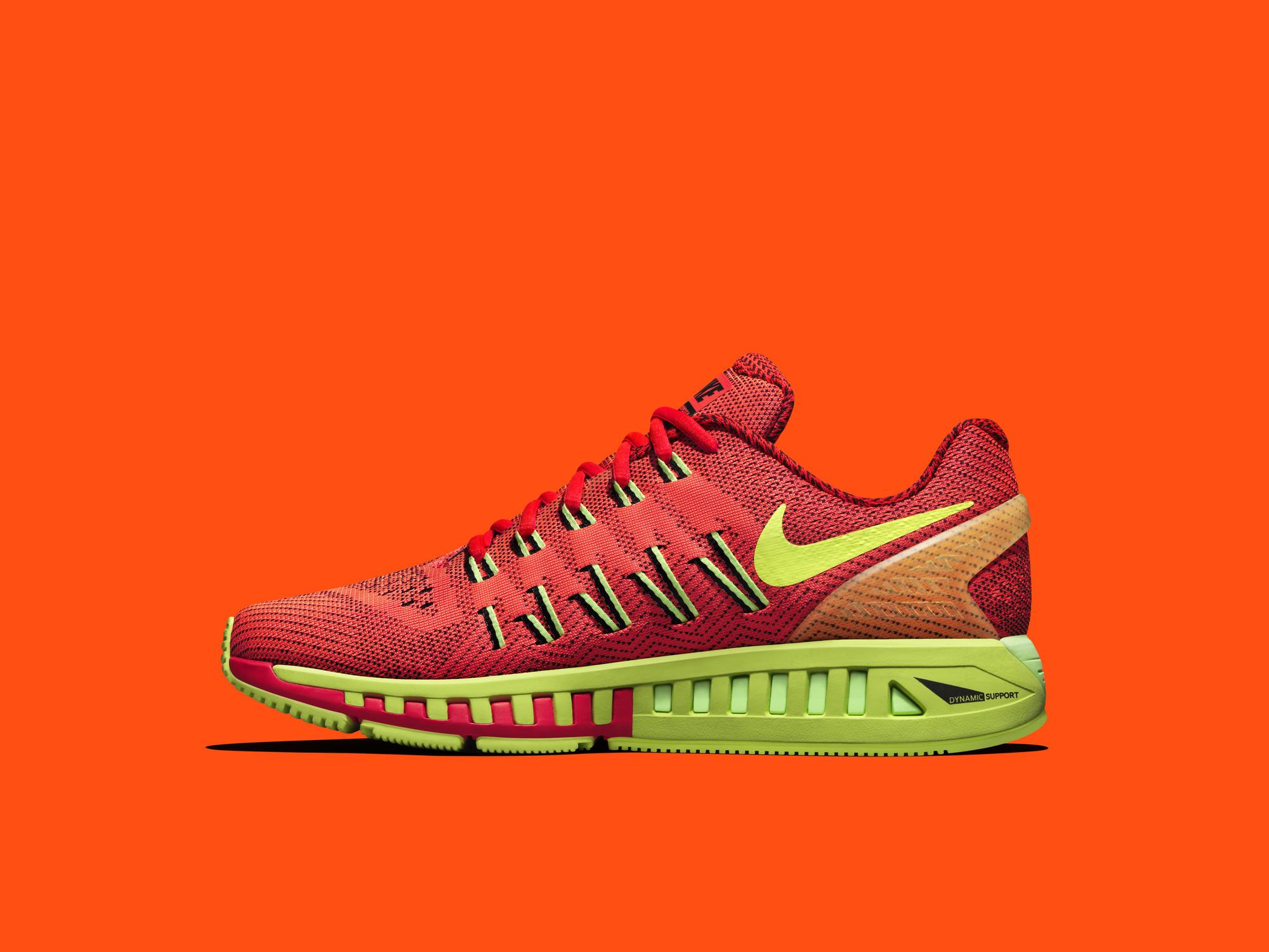 Nike Air Zoom Odyssey: a maximális stabilitás , láb és térdfájás elkerülésének érdekében (csakúgy mint a Structure 19)