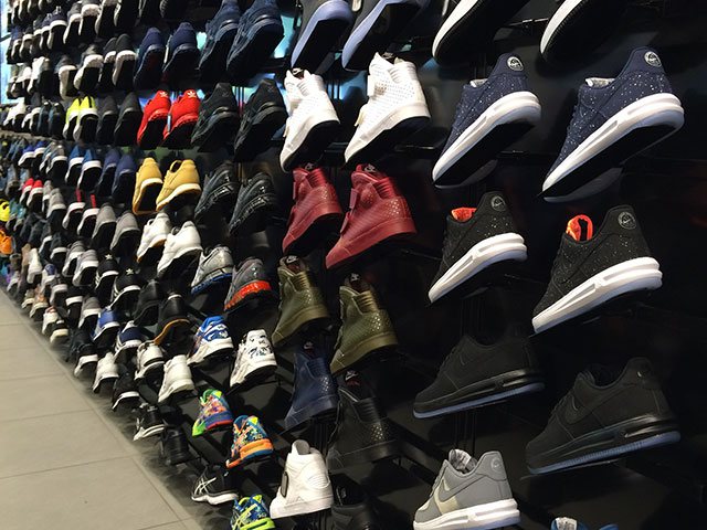 Berlin sneaker store check: Foot Locker & House of Hoops