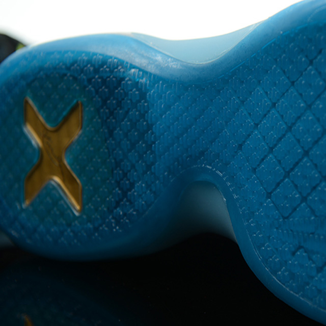 Nike Kobe 10 Elite: Obama Inspired Commander