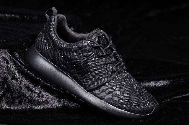 Nike Roshe One DMB (Triple Black)