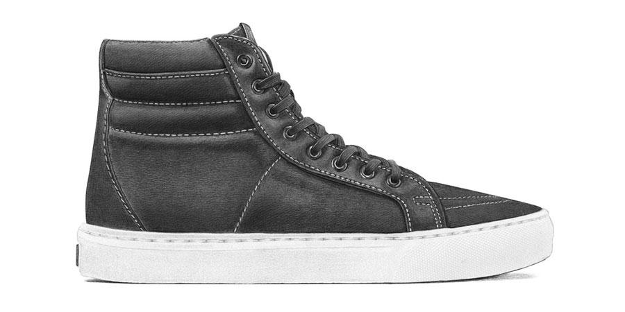 Márkátlanított cipők: Vans Sk8-Hi (Steph Morris/Highsnobiety)
