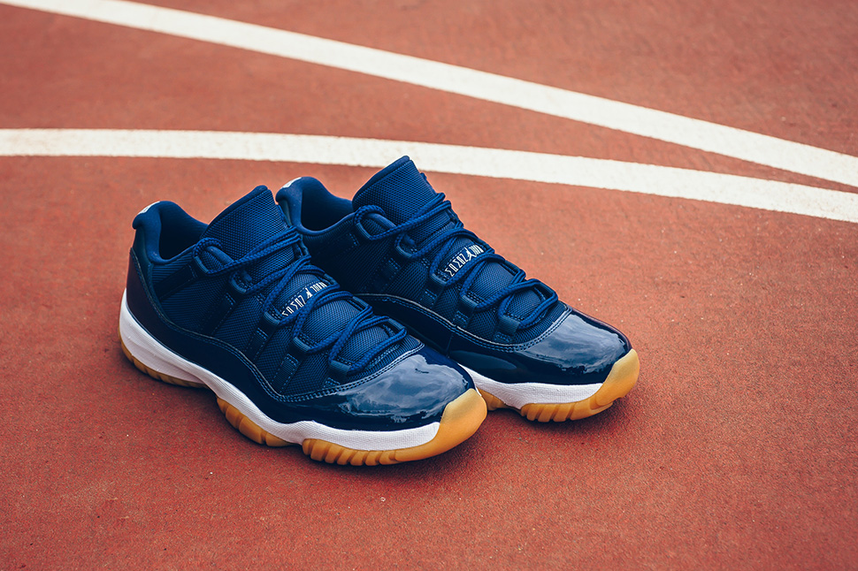Air Jordan XI Retro Low (Midnight Navy/Gum)