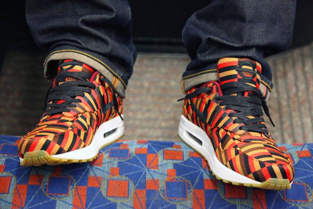 Nike x Roundel for London Underground Air Max 90 - adta magát, hogy a londoni metró ülésén fotózzanak