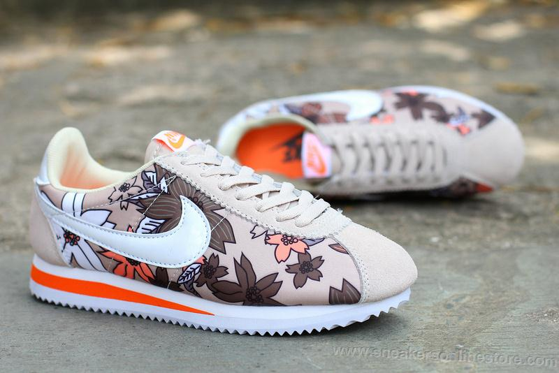 Nike Classic Flowers