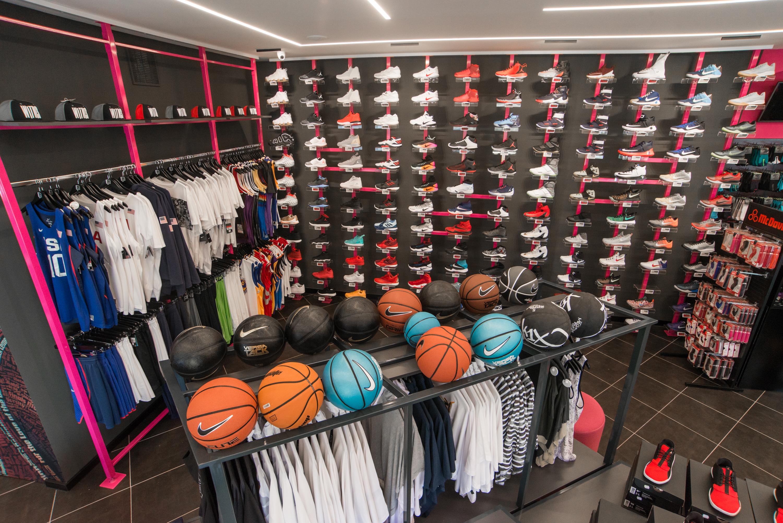 Rapcity kosárlabda cipő fal