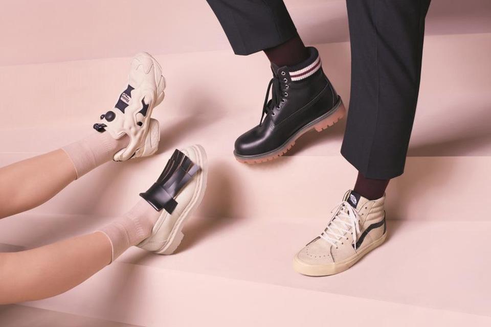 Ikonikus cipők designer kömtösben