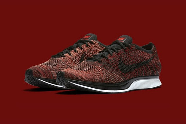 Flyknit Racer Rooster