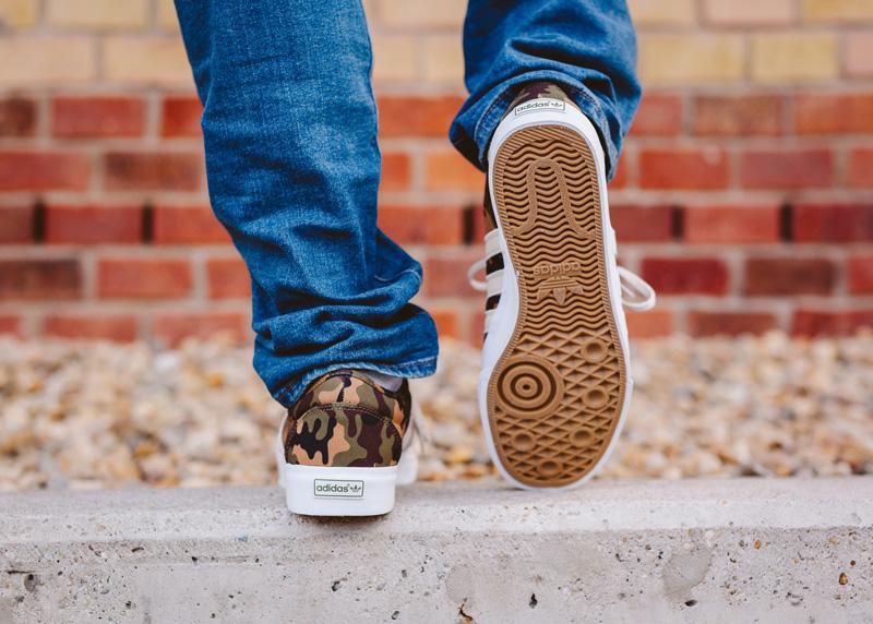 adidas Adi-Ease deszkás cipő kidolgozott talpszerkezettel