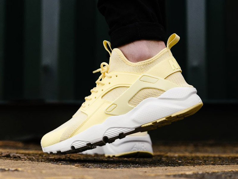 NIke Air Huarache Run Ultra Breathe (833147-701 Lemon Chiffon/Summit White)