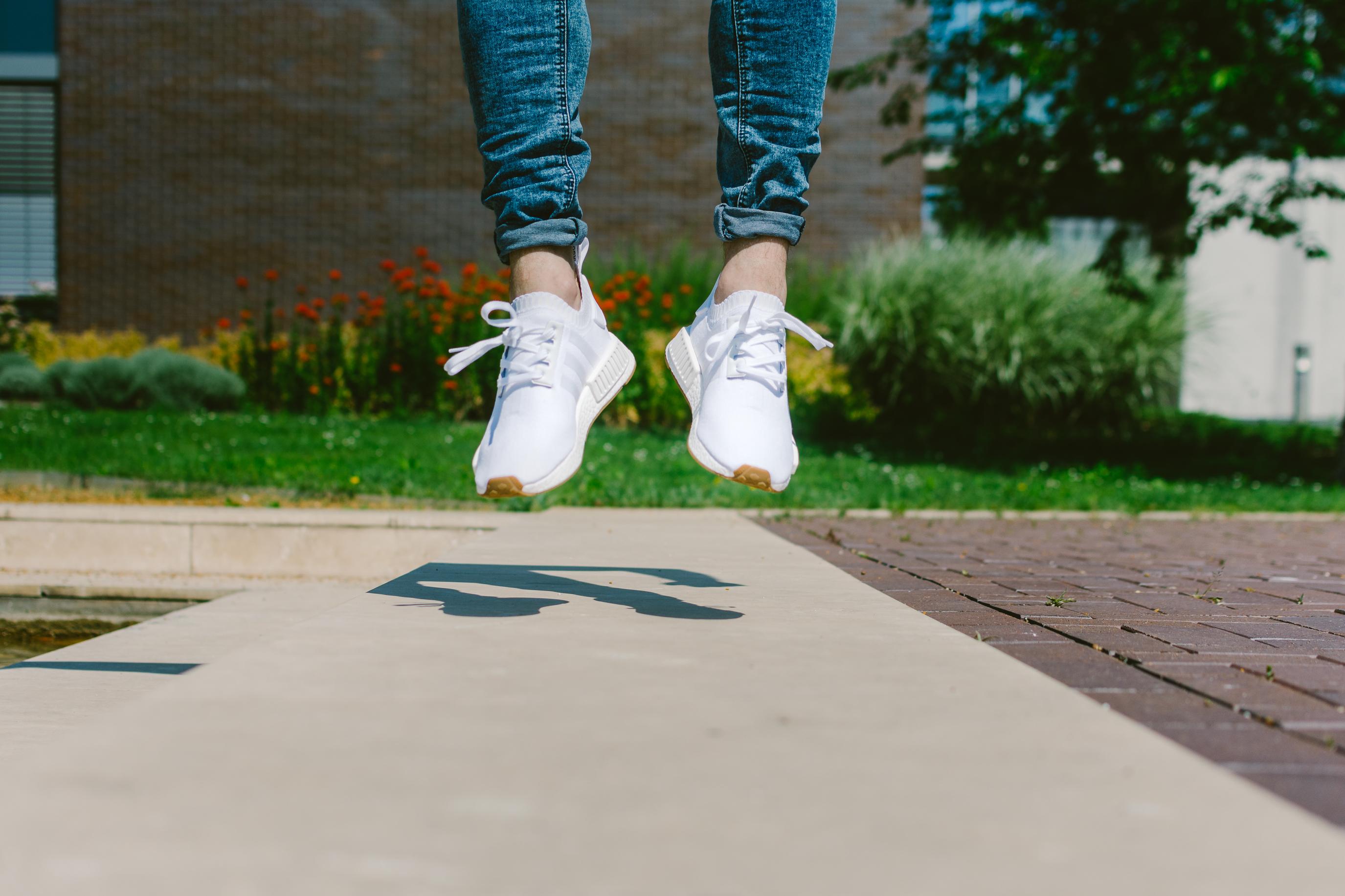 Legyél te a szerencsés, aki megnyeri az adidas NMD R1 PK White/Gum sneakert!