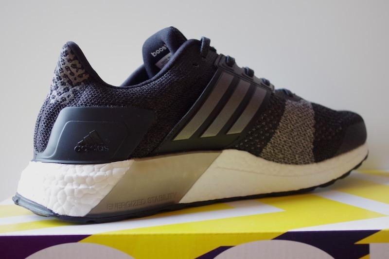 Cipőteszt  adidas Ultra Boost ST - sneakerbox.hu blog   shop 589966de8f