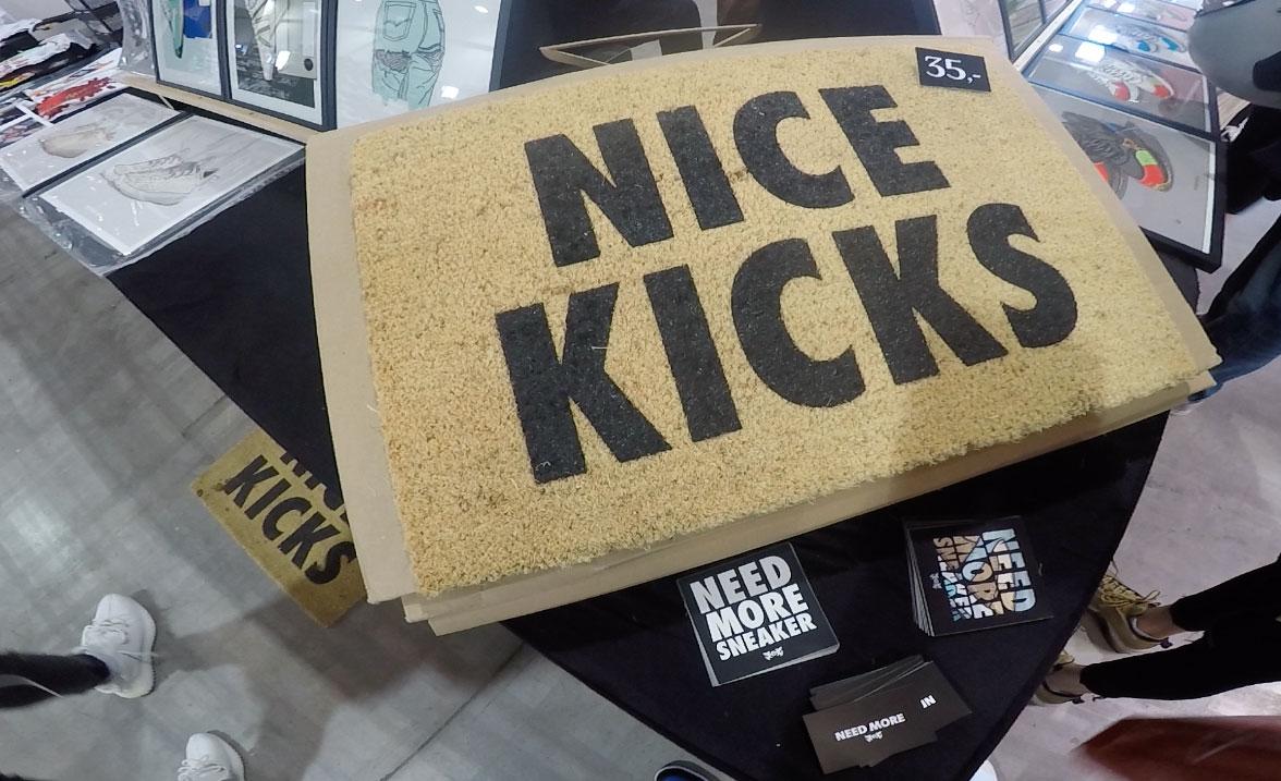 Sneaker art és 'Nice Kicks' lábtörlő