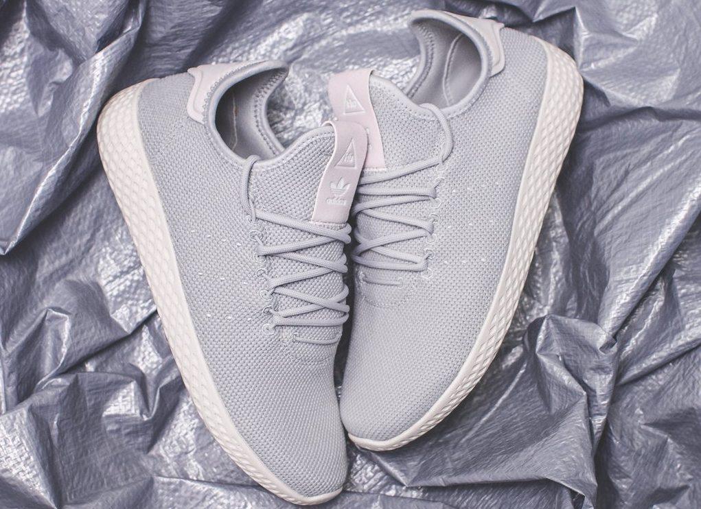 adidas-pharrell-williams-tennis-hu-w-grey-DB2553-1