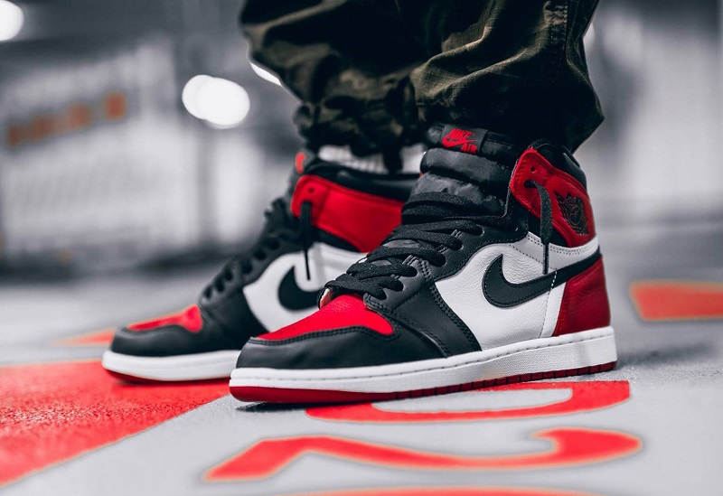 Air-Jordan-1-Bred-Toe 4