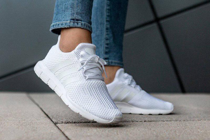 adidas Swift Run W fehér (CQ2021)