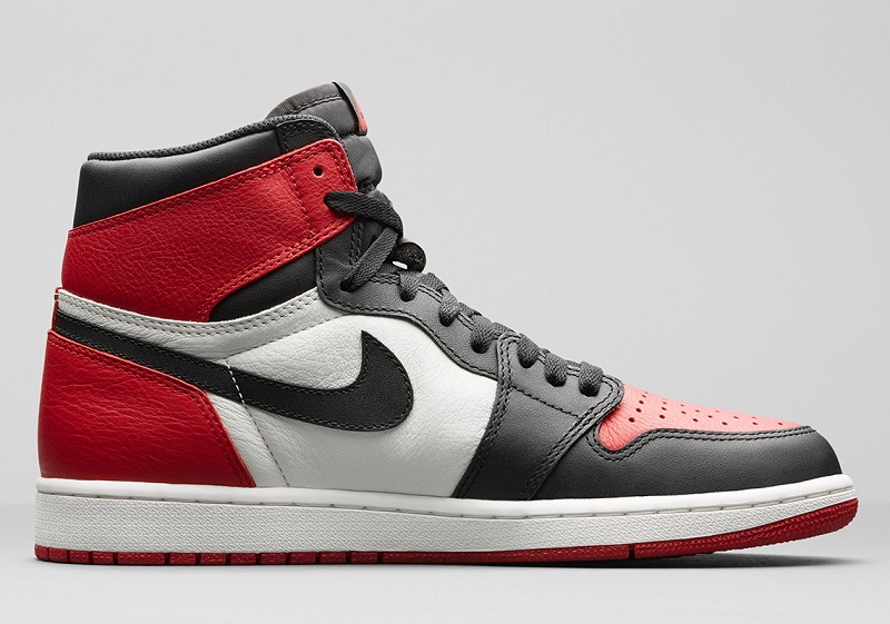 air-jordan 1-bred-toe 3