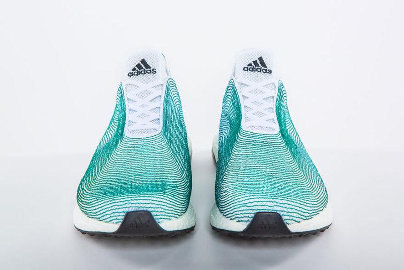 Az adidas tengeri szemétből gyártott sneakere
