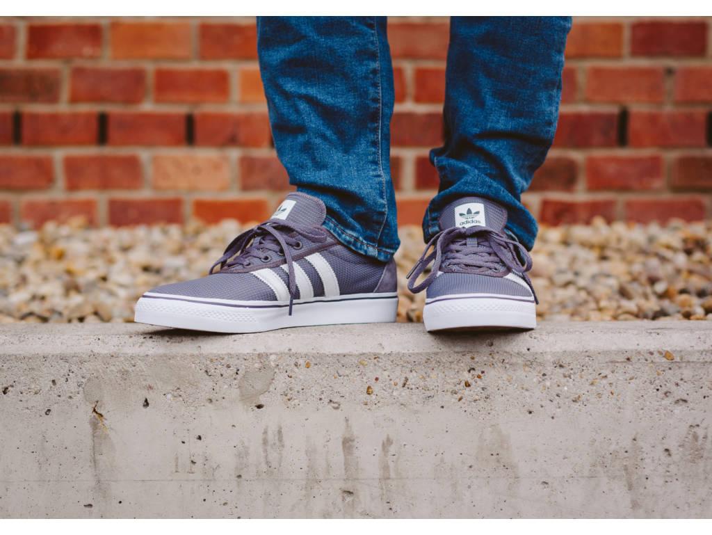 adidas Adiease szürke deszkás cipő (Trace Grey/Footwear White/Mystery Blue BB8470) - 13.990 Ft