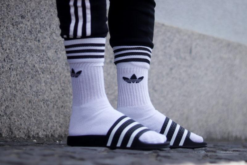 Irány a strand! Adilette papucsok a sneakerbox.hu shopban!