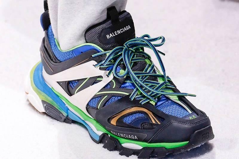 Balenciaga Trail Runner Details