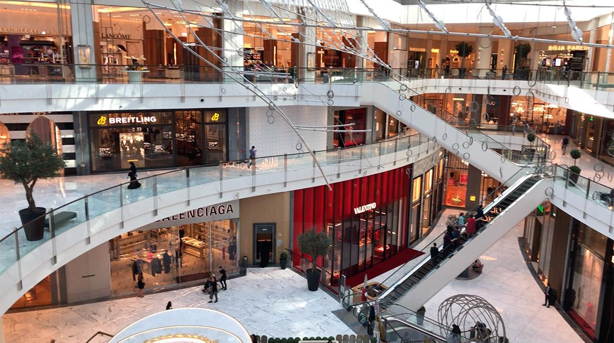 Dubai Mall - megszámlálhatatlan üzlettel
