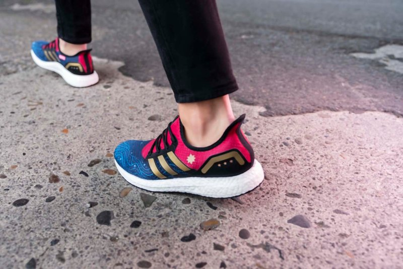 adidas_marvel_avengers_footlocker_captain_marvel_01