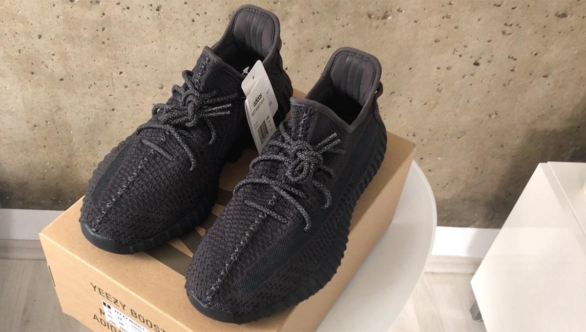 adidas Yeezy Boost 350 v2 (Black FU9906)