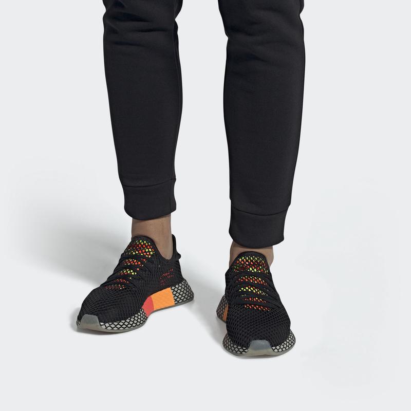 adidas_deerupt_CBLACK_SESAME_SOLRED_EE5674
