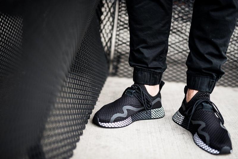 adidas_deerupts_Core BlackCore BlackFtwr White_BD7879_01