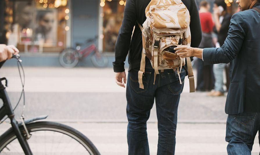Utazáskor főleg úgy pakolj, hogy ki lophassanak ki semmit a hátizsákodból!
