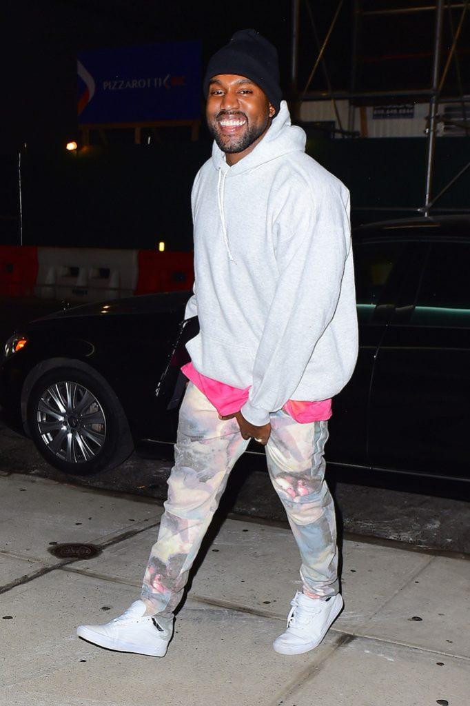Kanye West, amikor nyomja a lábát a Yeezy...