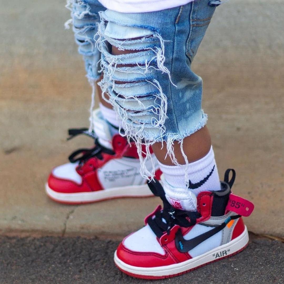 Sneaker a babának, aminek lehet Apa és Anya jobban örül :D