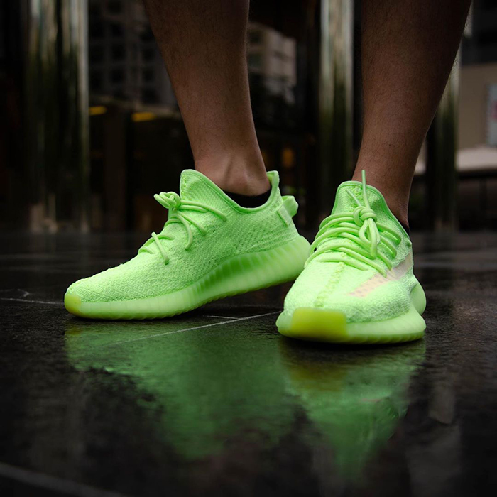 Glow in Dark on feet