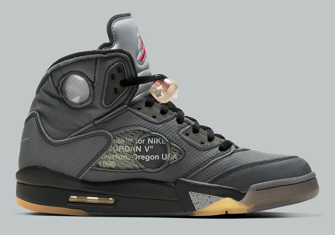 Off White Jordan V oldalról