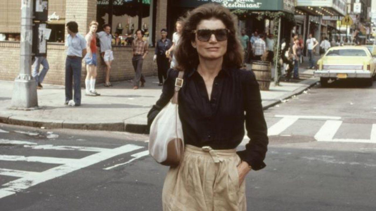 Jackie Kennedy kedvenc táskájával